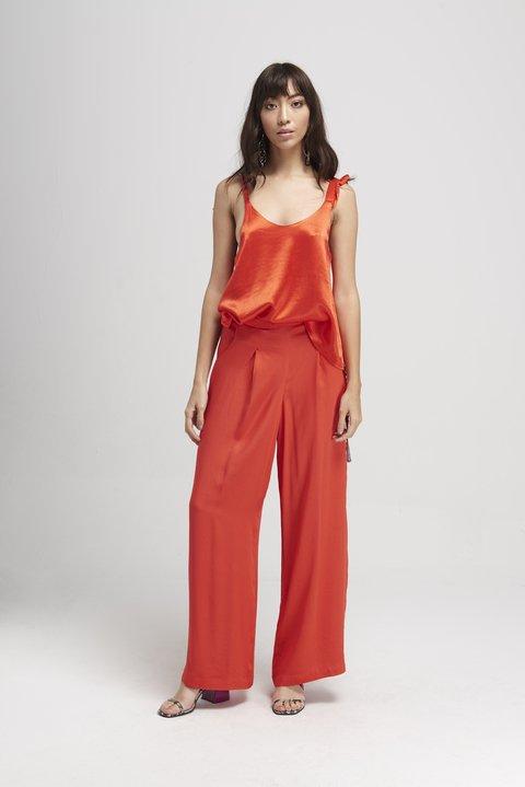 pantalon de vestir palazzo y blusa musculosa de seda Naima verano 2020