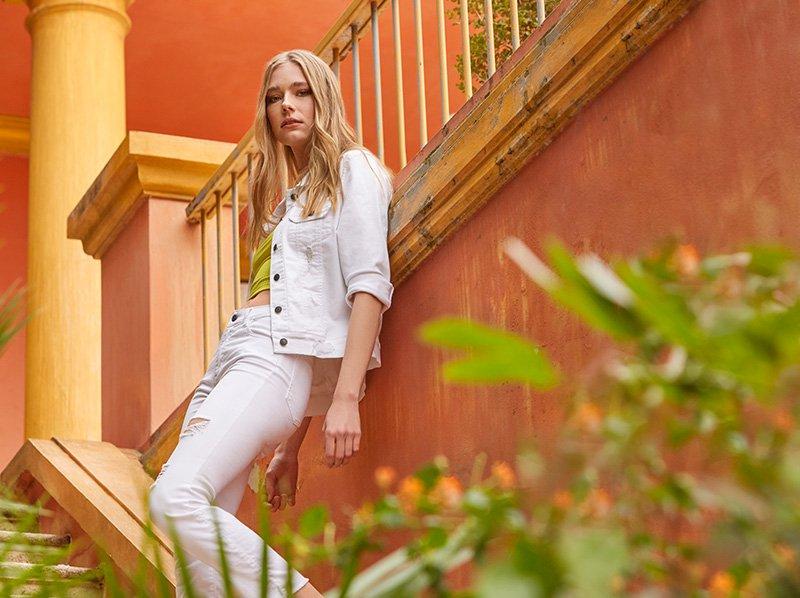 pantalon y campera jeans blanco zhoue verano 2020