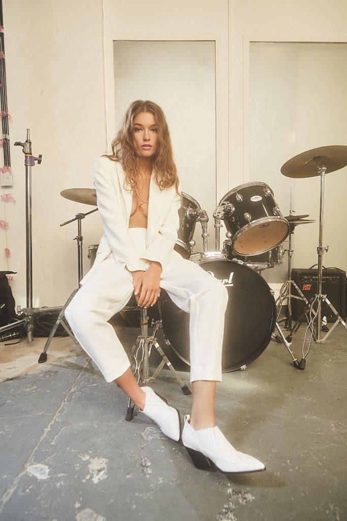 traje blanco mujer Maria Cher Looks de moda para mujer verano 2020