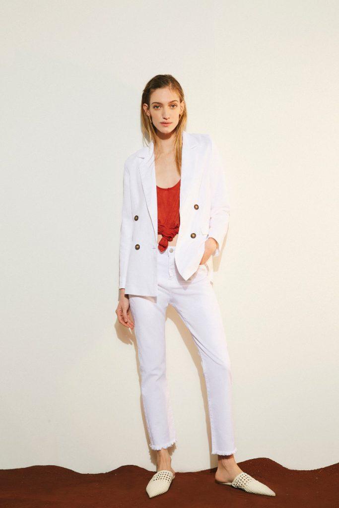 traje blanco verano 2020 Delucca