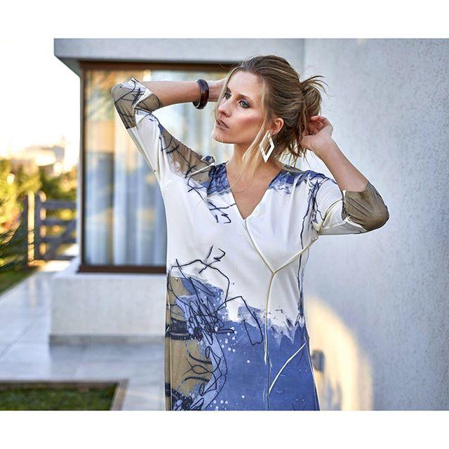 vestido estilo tunica con escote en ve exordio verano 2020