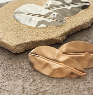 aros con forma de hojas verano 2020 Isadora Accesorios