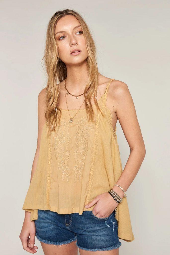blusa amarilla bordada verano 2020 Bendito Pie