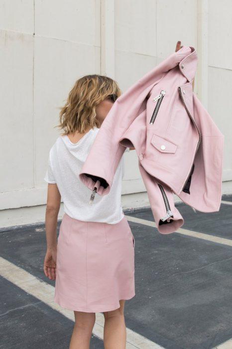 campera de cuero y falda Boken verano 2020