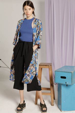 kimono estampado y pantacort Materia Verano 2020