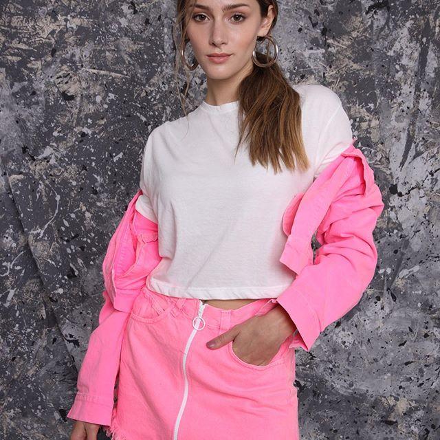 minidalda y campera de jeans rosa juvenil Tuboos verano 202