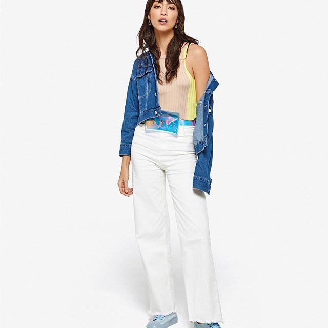 pantalon denim ancho y campera denim corta Le Utthe primavera verano 2020