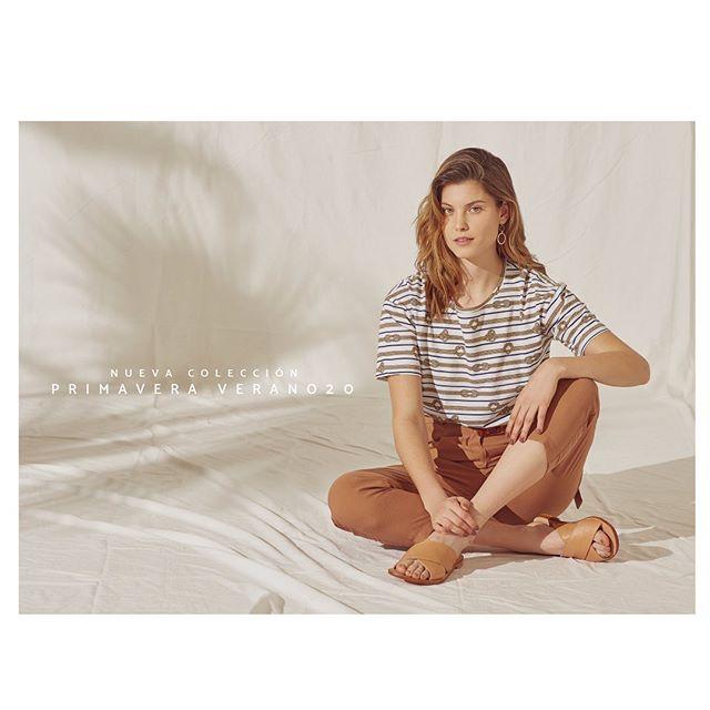 remera a rayas con pantalon capri Silenzio verano 2020
