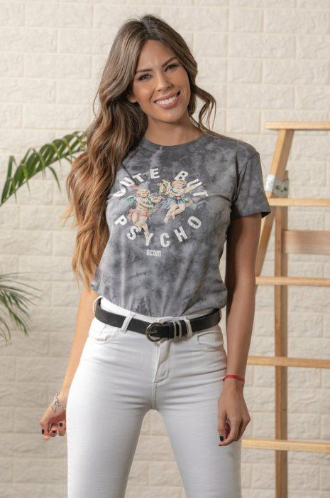 remera batik y scombro jeans blanco verano 2020