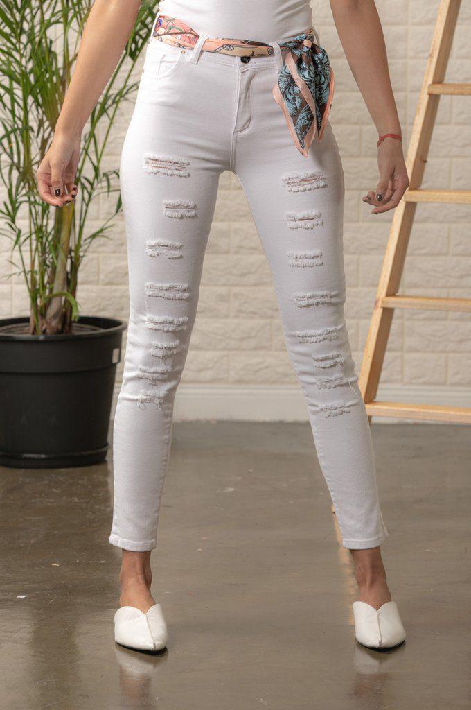scombro jeans blanco con roturas verano 2020