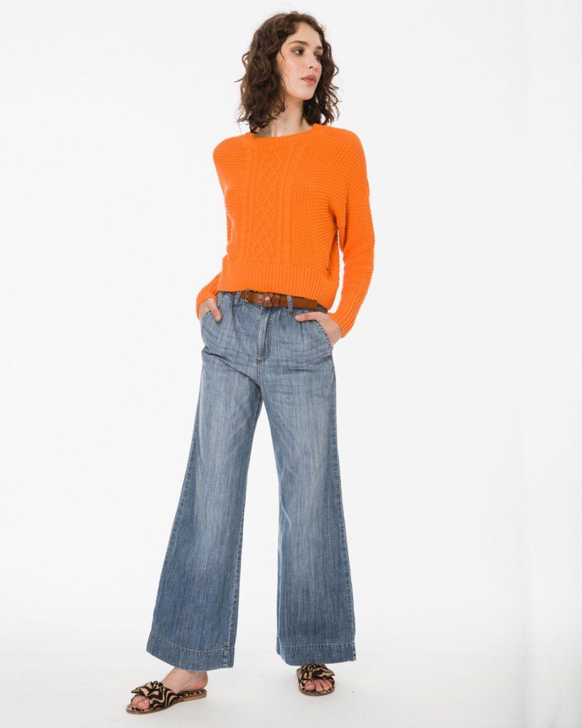 sweater naranja y jeans verano 2020 Wanama Mujer