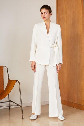 traje para señoras blanco Carmela Achaval verano 2020