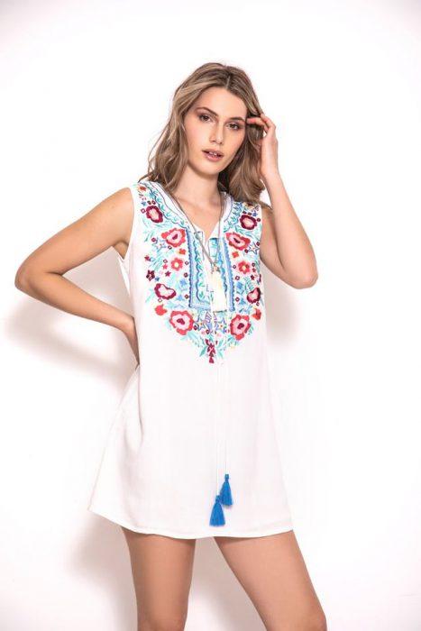 vestido casual corto bordado estilo bohemio sophya verano 2020