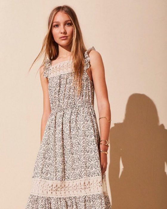 vestido para el dia fibrana con puntilla de algodon Akiabara verano 2020