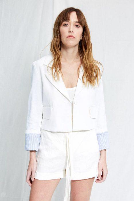 blazer y short blanco de lino Allo Martinez verano 2020