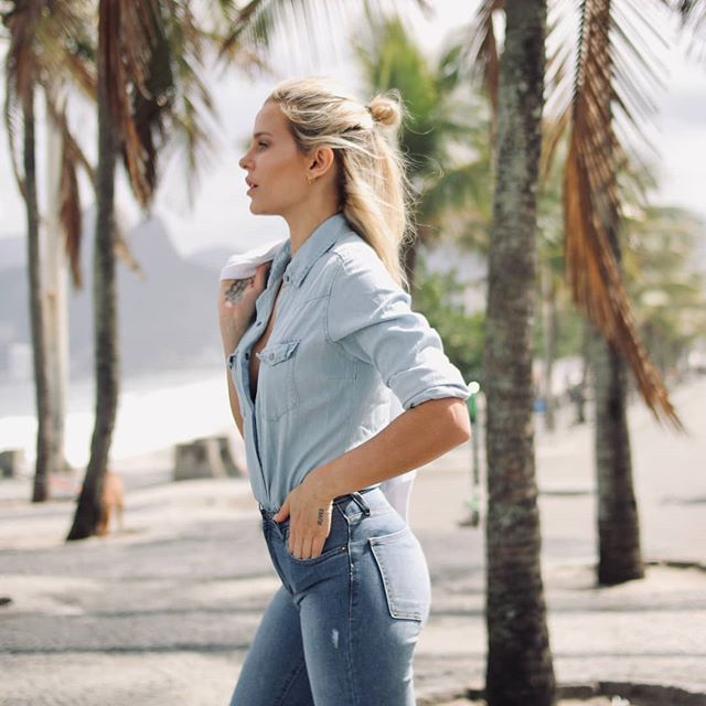 jeans y camisa denim Riffle verano 2020