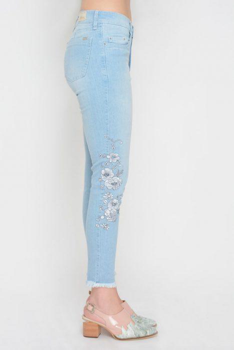 pantalones de jeans bordados Moravia verano 2020