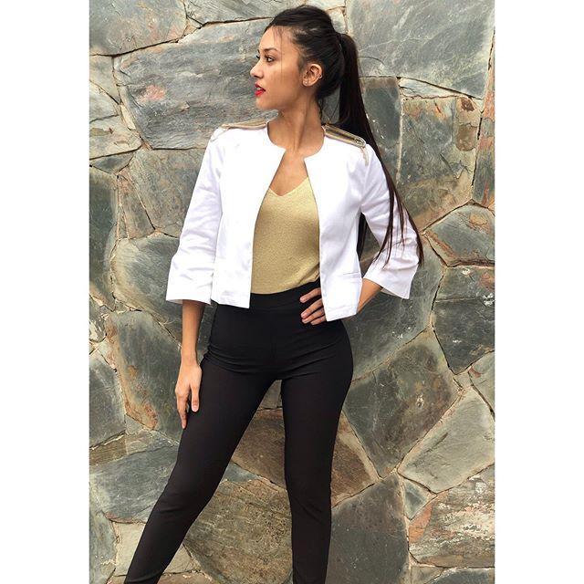 saquito blanco Alma jeans verano 2020