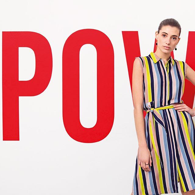 vestido moderno y formal para ir al trabajo Look de mujer para oficina primavera verano 2020 Ted Bodin verano 2020