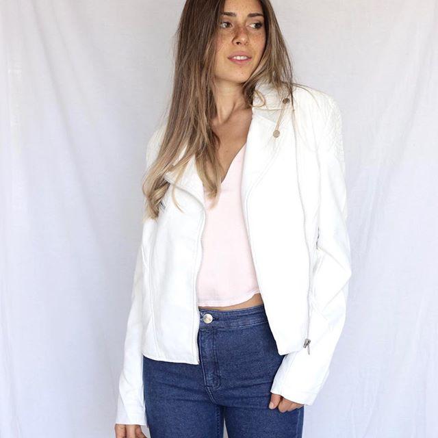 For me Jeans con chaqueta blanca mujer verano 2020