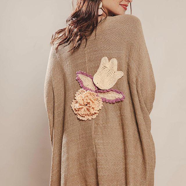 cardigan largo con palique a crochet espalda Florencia Llompart verano 2020