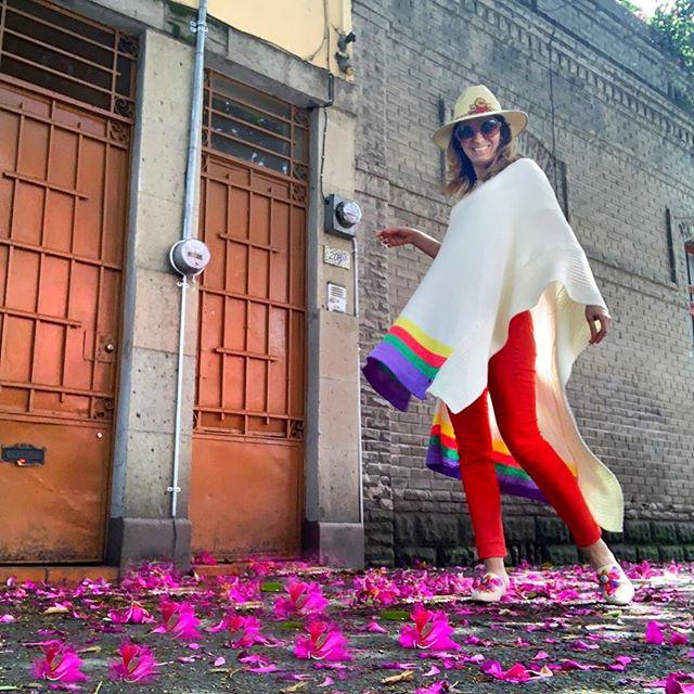 poncho liviano de hilo Florencia Llompart verano 2020