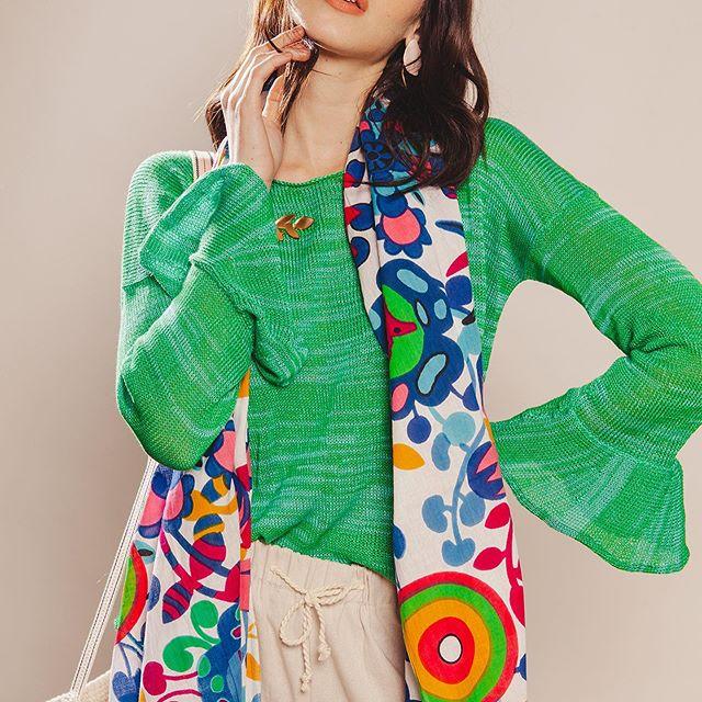 sweater de hilo con mangas acampanadas Florencia Llompart verano 2020