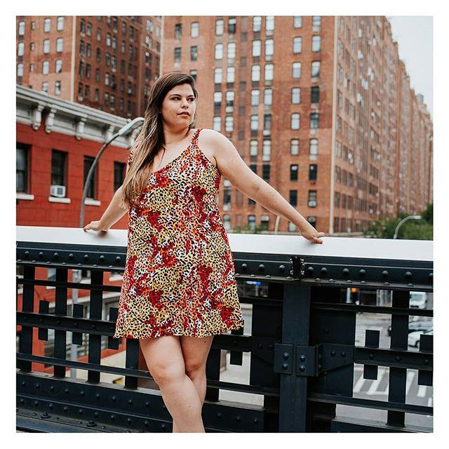 vestido corto mujer fibrana Syes en talles grandes verano 2020
