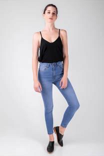 Vertu Jeans celeste otoño invierno 2020