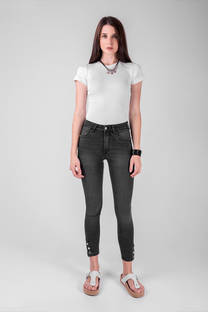 Vertu Jeans negro lavadoo otoño invierno 2020