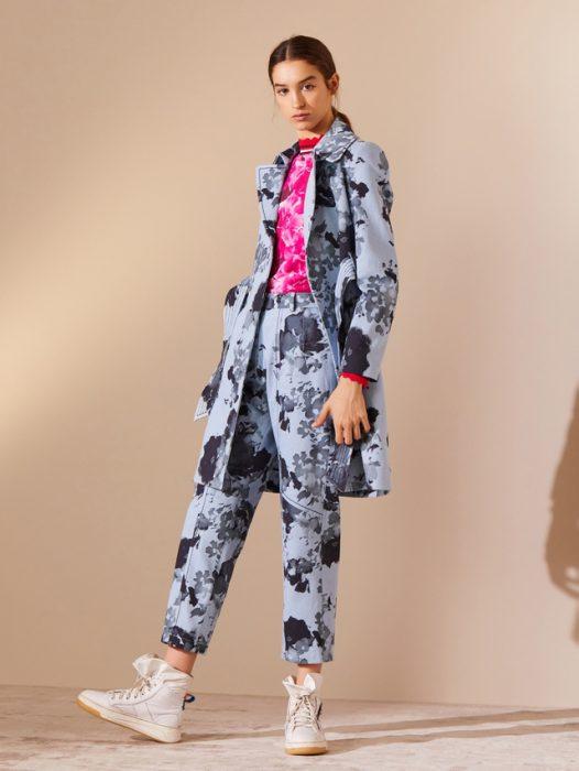 conjunto sastreria con blazer largo mujer estampado jazmin Chebar invierno 2020