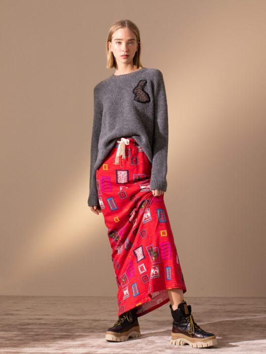 falda larga de fibrana con buzo de lana jazmin Chebar invierno 2020