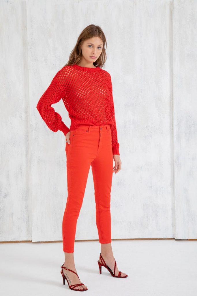 look con pantalon rojo umma invierno 2020
