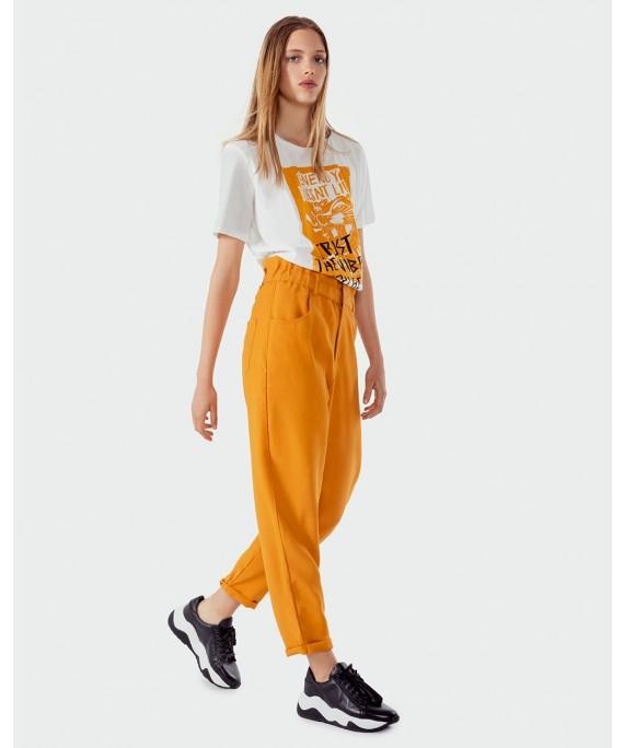 pantalon amarillo tiro algo Kosiuko otoño invierno 2020