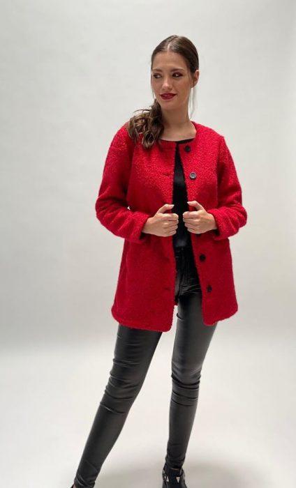saco rojo con calza engomada okoche invierno 2020