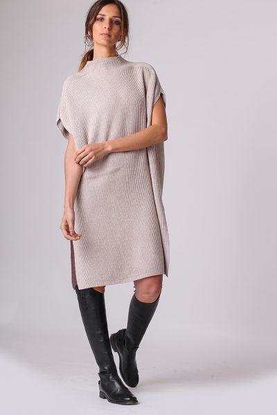 vestido tejido estilo poncho Del cerro patagonia invierno 2020