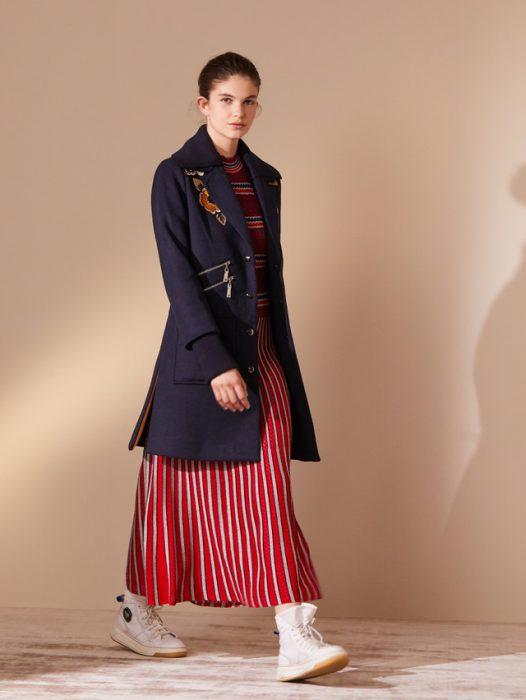 vestido y blazer largo look urbano jazmin Chebar invierno 2020