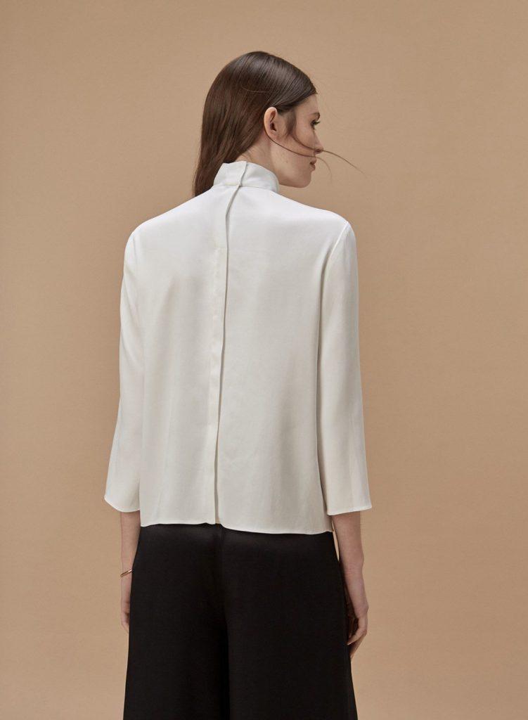 blusa de seda con botones en espalda Etiqueta negra mujer invierno 2020