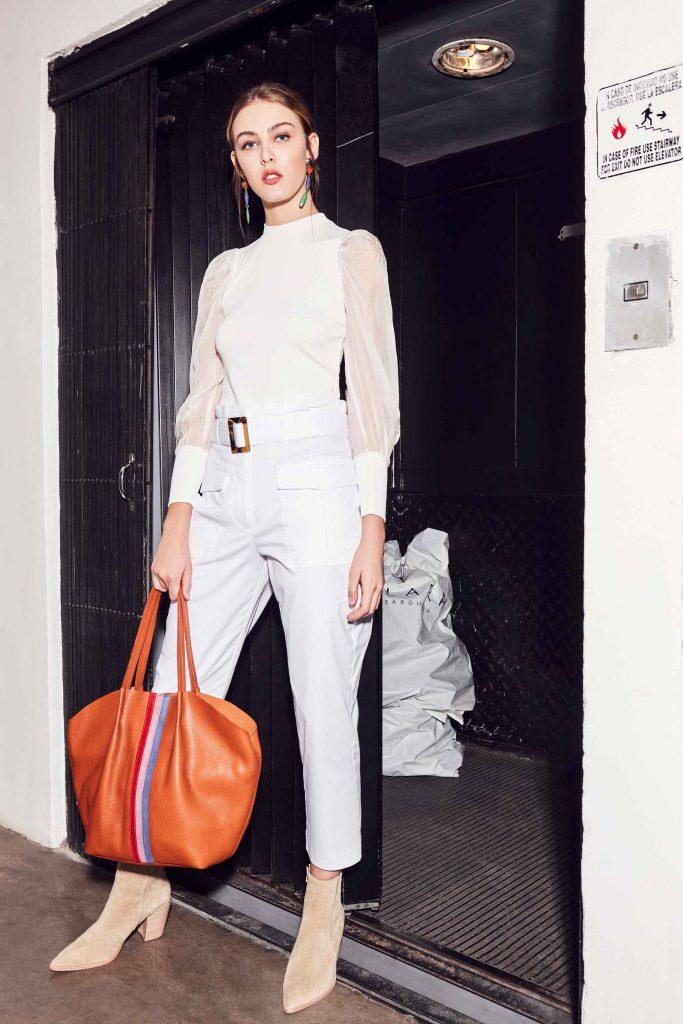 busa y pantalon blanco invierno 2020 Clara Ibarguren