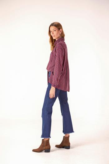 camisa y jeans con ruedo desflecado ossira invierno 2020