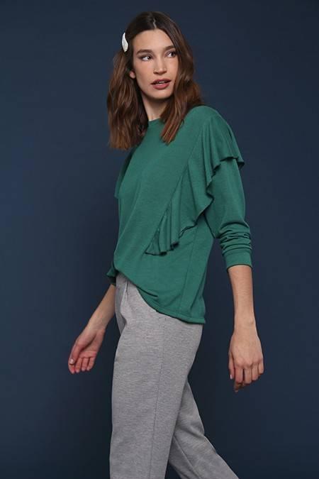 joggin gris y remera verde invierno 2020 Nucleo Moda