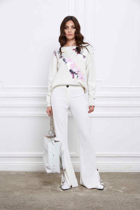 look con pantalon oxford blanco Naima otoño invierno 2020