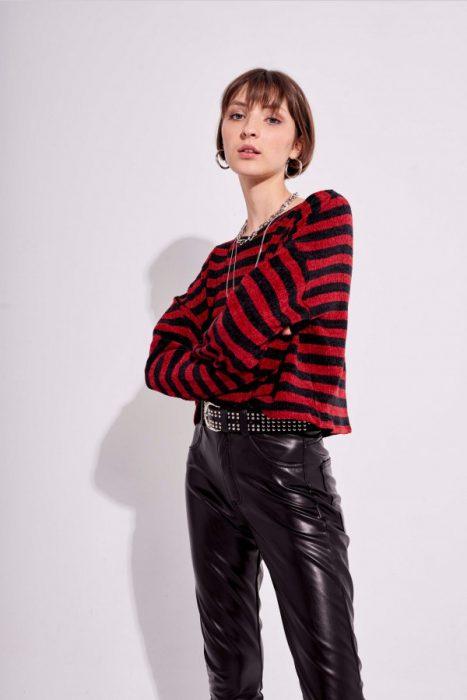 pantalon engomado con buzo a rayas muaa otoño invierno 2020
