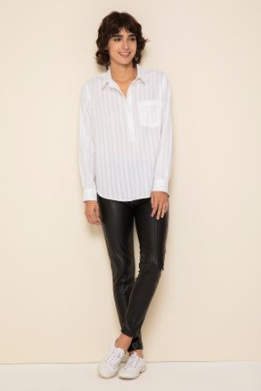 pantalon engomado con camisa blanca Yagmour otoño invierno 2020
