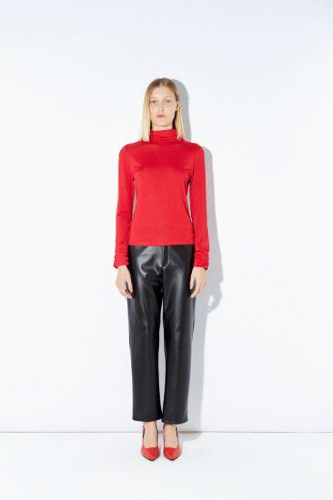 pantalon engomado y polera Ayres otoño invierno 2020