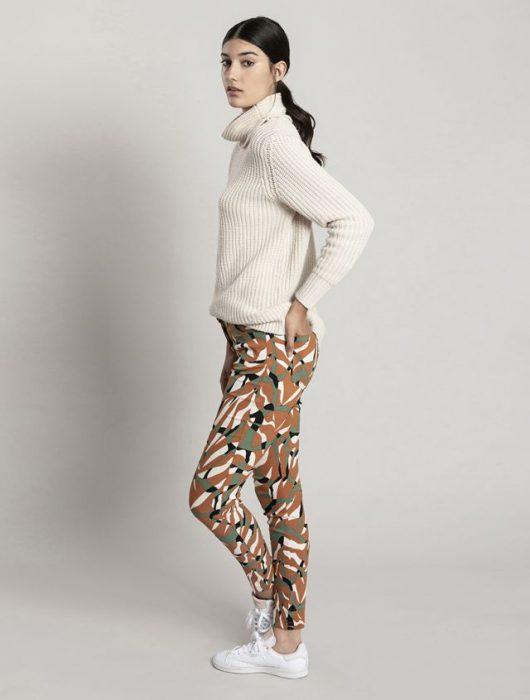 pantalones estampado con polera asterisco invierno 2020