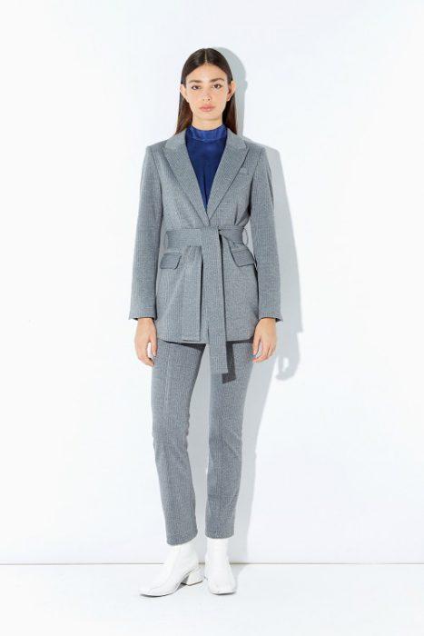 traje con blazer estilo trench Ayres otoño invierno 2020