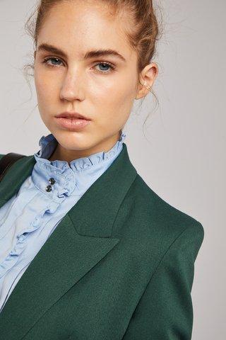 camisa cuello mao con volados Carmela Achaval invierno 2020