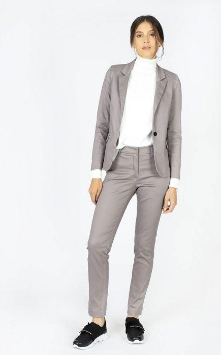 conjunto blazer y pantalon gabardina mujer invierno 2020 Paula Cahen D Anvers