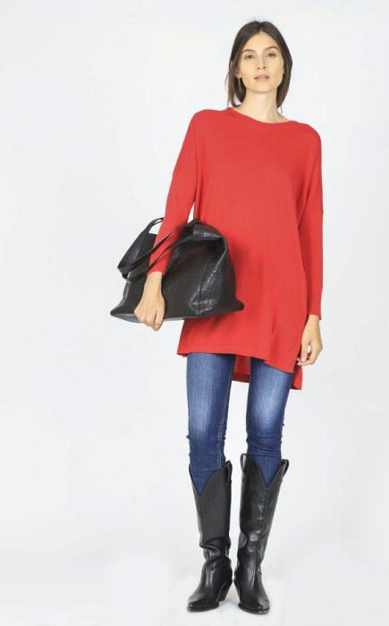 look urbano con sweater largo invierno 2020 Paula Cahen D Anvers